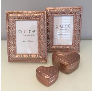 Rose Metal Frame & Heart Trinkets