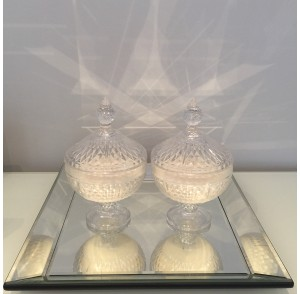 Decorative statement candle bonbonniere