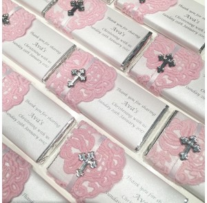 Pink lace chocolate bar bonbonniere
