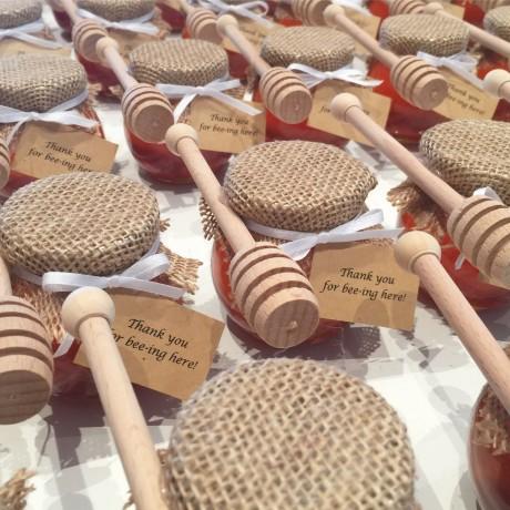 Hessian honey round jar bonbonniere