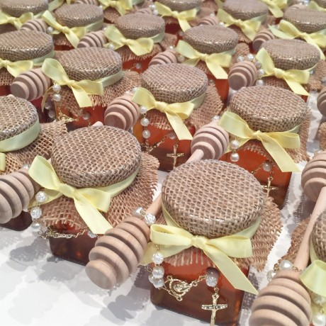 Hessian honey jar bonbonniere