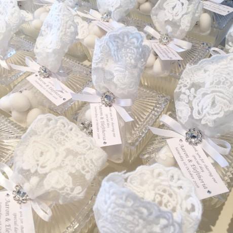 Decorative ribbed lace trinket candle bonbonniere