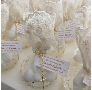 Point trinket with ivory lace bags