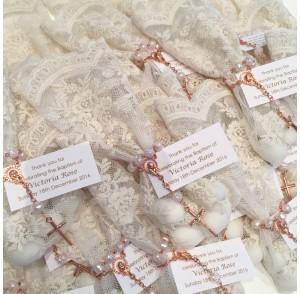 Ivory lace bonbonniere bags