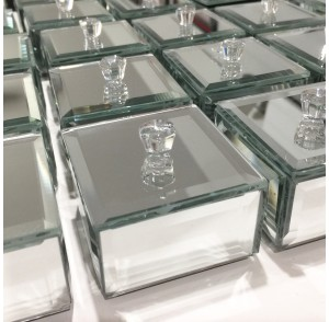 Petite mirror jewelery box bonbonniere